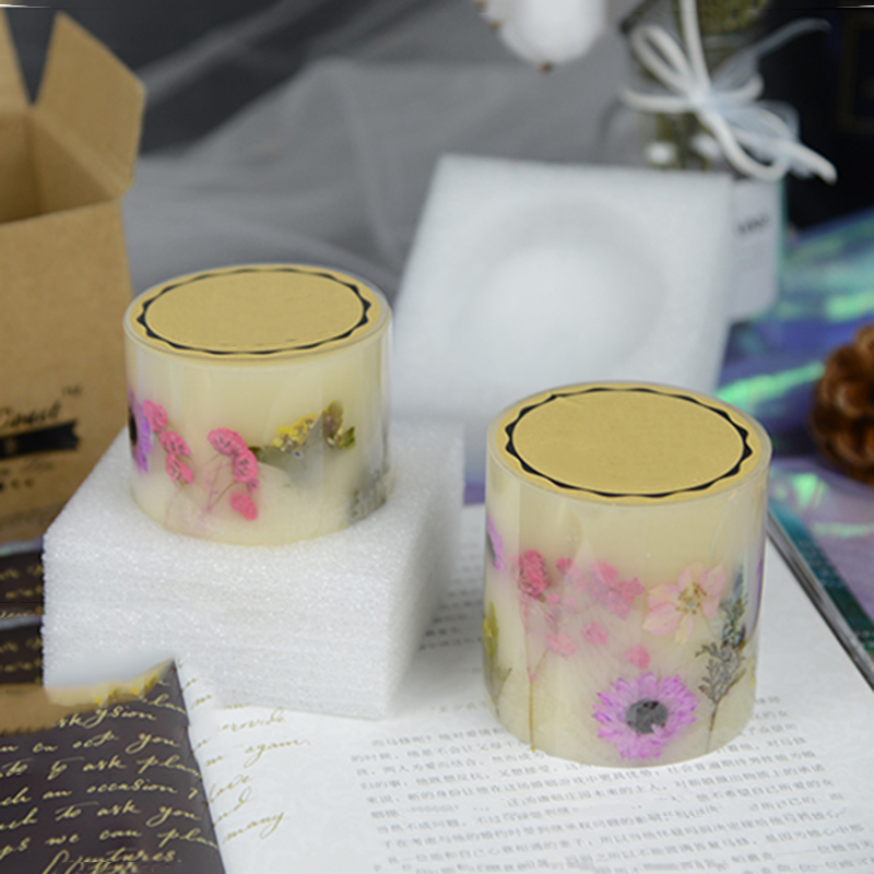 Professional candle manufacturer wholesale pillar candle with dry flowers with personalize design and label