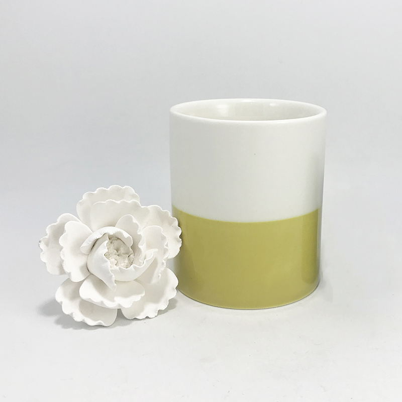 ceramic reed diffuser with ceramic flower (1).JPG