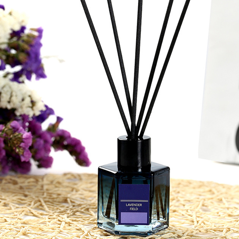 Reed diffuser Supplier luxury aroma essential oil reed diffuser customized packaging and label  for home freshening