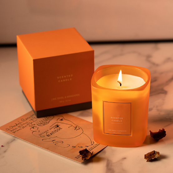 Luxury private label scented candles manufacturers UK supply free samples