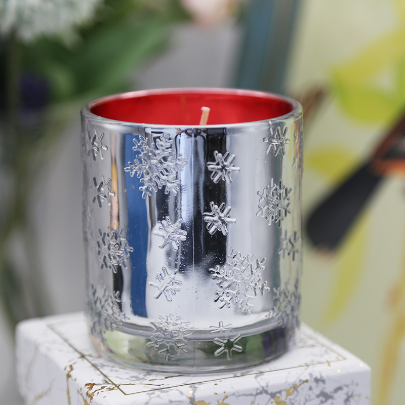 Best customized Christmas smelling scented candles with winter scents and private label