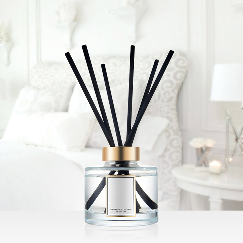 Wholesale luxury essential oil reed diffuser with personalized design and label  free sample supply